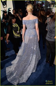 elle fanning maleficent hollywood premiere 08