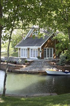 If I had a home on the lake this would be an awesome way to start my day sitting on the steps drinking coffee or tea :)