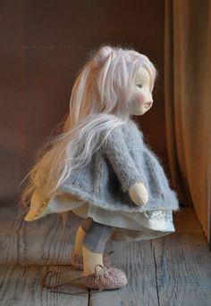 Noelle, baby doll, inches - Her Crochet Doll Crafts, Diy Doll, Doll Toys, Baby Dolls, Diy Bebe, Waldorf Toys, Doll Tutorial, Doll Maker, Soft Dolls