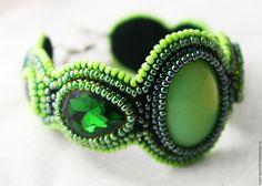 Купить Браслет сочно-зеленый - зеленый, салатовый, подарок, подарок для женщины, кожа, бисер Чехия