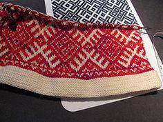 Knit russian Crochet Fall, Knit Crochet, Sweater Patterns, Knitting Patterns, Hand Knitted Sweaters, Knitted Hats, Knitting Stitches, Hand Knitting, Ethnic Dress