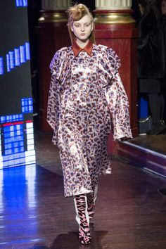 Kenzo Fall 2016 Ready-to-Wear Fashion Show - Madison Stubbington (IMG)