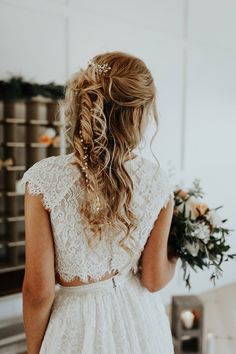 Classic half-up wedding hairstyle | Grassroots Vintage Events | Chelsea Denise Photography | Trochta's Flowers and Garden Center | brushed Salon and Makeup Studio | Chantilly Couture #bridesofok #wedding #weddinginspiration #beauty