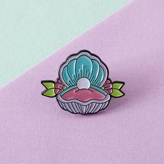 Mermaid Shell Enamel Pin with clutch back // lapel pins, mermaid // EP075