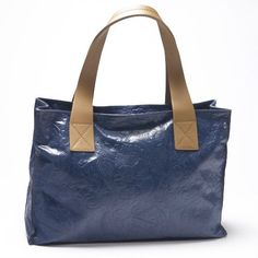 www.hogiesonline.co.uk - LEATHER HANDBAG EMBOSSED WITH BLUE FLOWERS BY PUNTOTRES - PUN10, £99.00 (http://www.hogiesonline.co.uk/leather-handbag-embossed-with-blue-flowers-by-puntotres-pun10/)
