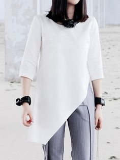 White Top With Asymetric Hem | Choies