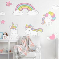 Vinilos unicornios para decorar las habitaciones infantiles : ¡Me parecen adorables estos vinilos unicornios! Un elemento perfecto para decorar las habitaciones infantiles de bebés y niñas. Por su temática mágica, y p