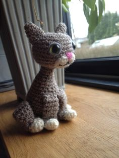 Crochet hook: Recipe for crocheted cat finished