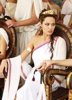 Alexander 2004, Alexander The Great, Rome Fashion, Fashion History, Troy Movie, Greek Dress, 12 Dancing Princesses, Angelina Jolie Photos, Dance Movies