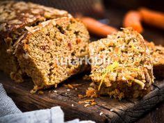 Carrot cake (sans gluten et sans lait) Types Of Pasta Sauce, Chicken Loaf, Cake Sans Gluten, Cinnamon Cake Recipes, Chocolate Fit, Canned Peaches, Yogurt Cake, Apple Bread, Food Articles