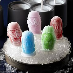 Williams Sonoma's Star Wars kitchen tools are great gifts for Star Wars fans. From aprons to cookie cutters to ice molds, our Star Wars kitchen items are perfect for kids and kids at heart. Kids Cooking Party, Cooking With Kids, Star Wars Birthday, Star Wars Party, Top Gifts, Best Gifts, Unique Gifts, Cooking App, Cooking Movies