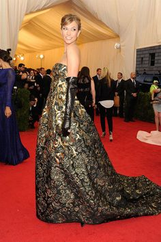 Karlie Kloss at the 'Charles James: Beyond Fashion' Costume Institute Gala at The Metropolitan Museum of Art  - ELLE.com