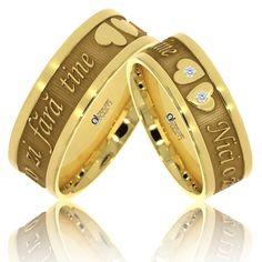 """Profita de reducerea de 30% cu ocazia zilei de Valentine's Day si alege perechea de verighete pentru ziua nuntii. Surprinde persoana iubita cu o declaratie pe viata: """" Nici o zi fara tine"""". Gold Rings Jewelry, Cute Jewelry, Silver Rings, Jewellery, Wedding Ring With Name, Wedding Rings, Engagement Rings Couple, Name Rings, Audio Speakers"""