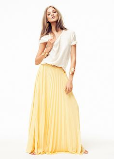 more colorblocking.. but a softer version #fashion #yellow #pleatedskirt