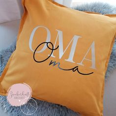 Boho Pillows, Diy Pillows, Linen Pillows, Linen Fabric, Throw Pillows, Silhouette Cameo Freebies, Silhouette Curio, Silhouette Portrait, Green And Gold