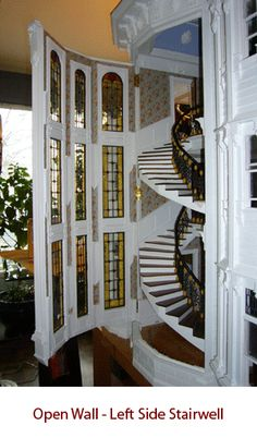Amazing Italianate Victorian dollhouse in 1:12 scale, by A.E.G. Miniatures, Pic 2 of 2