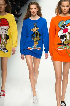 http://www.style.com/slideshows/fashion-shows/fall-2015-ready-to-wear/moschino/collection/14