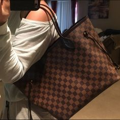 Louis Vuitton neverfull mm Like new authentic comes with box DUSTBAG and reciept Louis Vuitton Bags Shoulder Bags Louis Vuitton Neverfull Mm, Vuitton Bag, Shoulder Bags, Tote Bag, Box, Pattern, Beauty, Fashion, Moda