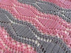 Этот способ можно применять для вязания, например, покрывал. Хотя мне приходилось видеть и юбки, и даже платья, связанные крючком по такому принципу. Ну, там конечно, нужно подгонять и рассчитывать. …