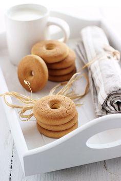 """""""Macine"""" biscuits (3)."""