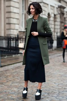 London Fashion Week Street Style – Best Outfits & Looks (Glamour ...