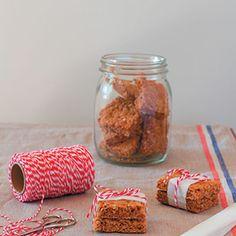 Skurwejantjies is een van Suid-Afrika se gewildste koekies – ons het almal daarmee grootgeword Kos, Good Food, Sweet Stuff, Recipes, Cookies, Africa, Crack Crackers, Biscuits