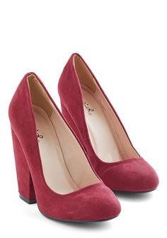 Fit for a Fashionista Heel in Burgundy. A style staple that exudes eye-catching appeal? #gold #prom #modcloth