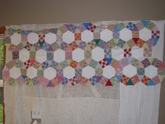 I'm going to take a break from the graduation, school, and family blogging and share my tutorial on how to piece a Jack's Chain quilt top....