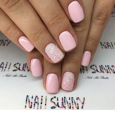 Sweet pink short nails with glitter | Inspiring Ladies