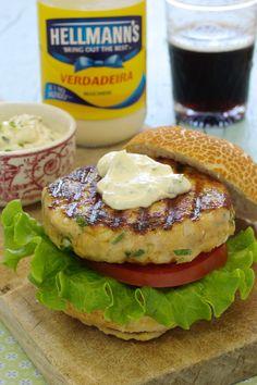 Cinco Quartos de Laranja: Hambúrguer de frango com farinheira e maionese de ervas