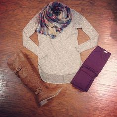 Like the top and scarf. with burgundy jeans. need to find scarf Jeggings Outfit, Plum Pants Outfit, Burgundy Pants, Purple Jeans, Fall Winter Outfits, Autumn Winter Fashion, Fall Fashion, Coloured Leggings, Colored Jeans