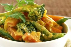 Vegetable Curry With Coconut Milk and Rice Easy Healthy Dinners, Healthy Foods To Eat, Healthy Snacks, Easy Vegetarian Curry, Vegetarian Recipes, Milk Recipes, Curry Recipes, Vegetable Curry Coconut Milk, Healthy Recipe Videos