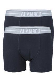 Deze boxershorts hebben een aangesloten pasvorm en zijn gemaakt van comfortabel stretch katoen. De aangesloten pasvorm in combinatie met de brede band geven de boxers van Alan Red een moderne uitstraling. Hoogwaardig heren ondergoed en sluit naadloos aan de T-shirts van Alan Red.