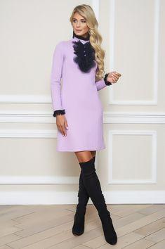 Jabot Kleid von BlueMary In einen romantischen Look und aktueller Farbe präsentiert sich das Kleid vom BlueMary und sorgt für ein perfektes Outfit zu jedem Anlass. Opera, High Neck Dress, Boutique, Outfit, Sweaters, Shopping, Dresses, Fashion, Lilac