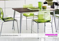 Mutfaklarınızda farklı tasarımlara sahip masalara ve sandalyelere yer vermek, tarzınızı yansıtmak isteyebilirsiniz. Buradaki sert plastikten yapılan yeşil masa koltukları güzel bir görün