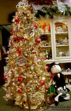 Toasted Champagne Gold Tinsel Tree | Trees, The shining and ...