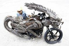 Thai Artist Builds Functional Alien-Predator-Themed Motorcycle