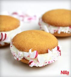 Mini vanilla frosting and peppermint Nilla sandwiches are adorable and oh-so seasonally appropriate. ;)