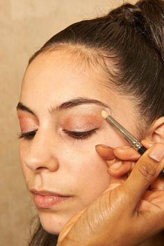 Pin for Later: How to Look Like Ariana Grande For Halloween Step 5 Highlight the brow bone with a shimmery champagne colour. Run the brush under the middle to outer edge of your arch.