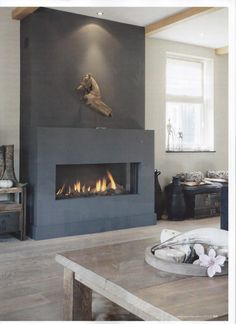 25 Cool Firewood Storage Designs For Modern Homes Home Fireplace, Modern Fireplace, Fireplace Design, Grey Fireplace, Fireplaces, Interior Exterior, Interior Design, California Room, Fireplace Inserts