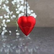 Valentine Gifts For Girlfriend, Valentines, Shape Design, Heart Shapes, How To Look Better, Desk, Detail, Nice, Room