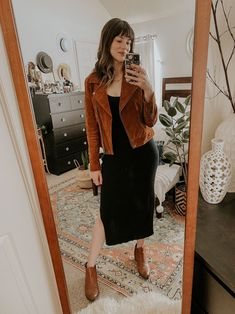 A Fall Capsule Wardrobe Guide featuring ethical fashion brands PLUS a Wardrobe Checklist to help you go through your closet. #fallcapsule2020 #fallcapsuleguide #ethicalcapsuleguide #capsulewardrobe #suedejacket #knitdress