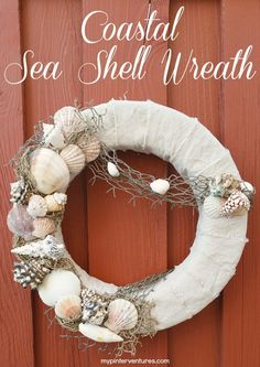 Tutorial on how to make an interchangeable sea shell wreath for the summer. Tutorial on how to make an interchangeable sea shell wreath for the summer. Coastal Wreath, Seashell Wreath, Nautical Wreath, Seashell Art, Seashell Crafts, Beach Crafts, Coastal Decor, Beach Themed Crafts, Beach Wreaths