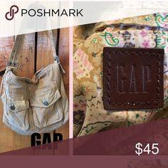 🌻 Vintage GAP Satchel, Bag, Purse Corduroy Saddle Bag style. Vintage. GAP. Camel color, multi pocket with adjustable strap. Great condition!!! 🌟 GAP Bags