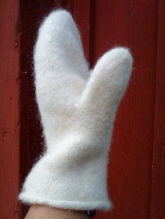 Ullcentrum Fingerless Mittens, Knit Mittens, Stick O, Ann Louise, Wrist Warmers, Textiles, Drops Design, Wool Felt, Pet Toys