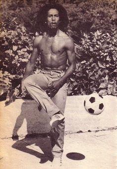 Many Faces Many Names (Official Music Video) Image Bob Marley, Bob Marley Art, Bob Marley Quotes, Bob Marley Legend, Reggae Bob Marley, Bob Marley Citation, Bob Marley Pictures, Marley Family, Robert Nesta
