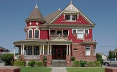 The Dusty Treasures Antiques and Collectables store first opened many decades ago in Watsonville, California. Located in the historic Tuttle Mansion built in 1899, the house itself was the perfect setting for the goods on