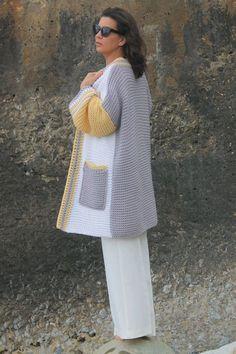 Crochet Pullover Pattern, Crochet Cardigan, Knit Crochet, Knitting Patterns, Sewing Patterns, Jewelry Patterns, Crochet Crafts, Lana, Fashion Dresses