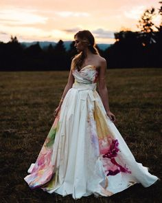 "Not Your Mom's Wedding Website on Instagram: ""GUYS: @clairelafaye HAND PAINTED this wedding gown.   This photo doesn't even do it justice. You can take a one-of-a-kind watercolor masterpiece...and wear it as a gown."""