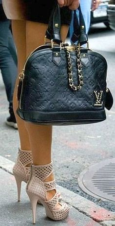 Louis Vuitton Vintage, Louis Vuitton Luggage, Vuitton Bag, Louis Vuitton Handbags, Louis Vuitton Speedy Bag, Brahmin Handbags, Chanel Handbags, Handbags Michael Kors, Leather Handbags